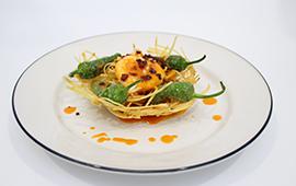 Huevo en nido de patatas con chorizo